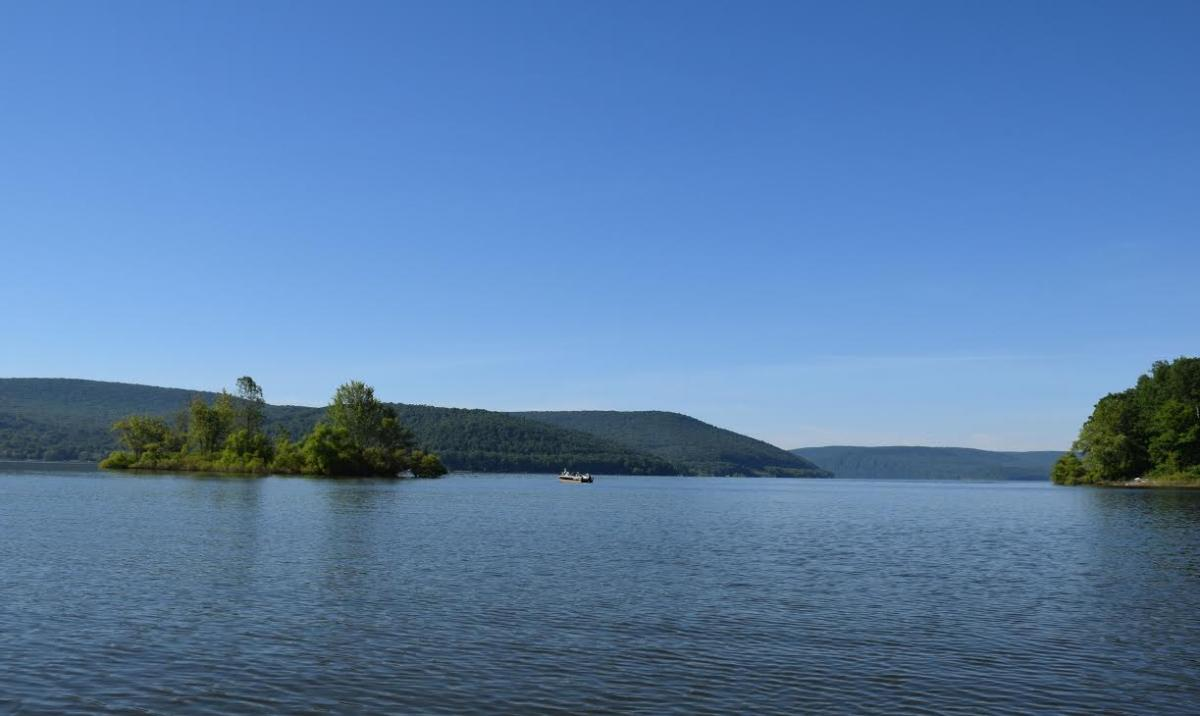 2 boats on the Allegheny Reservoir